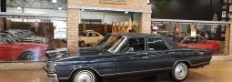 Landau 1980 azul, automático, placa preta, cinematográfico, vale a pena você conferir…